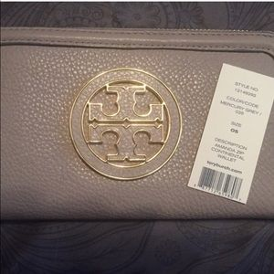 Tory Burch Amanda Zip Continental Wallet Grey